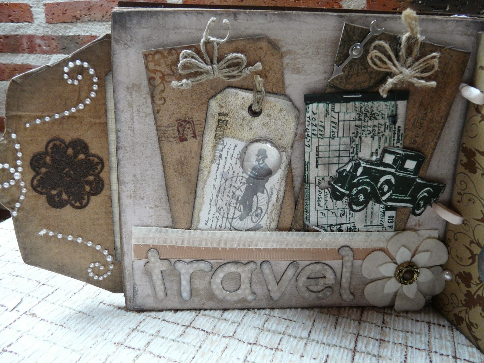 Mini album shabby chic vintage tags