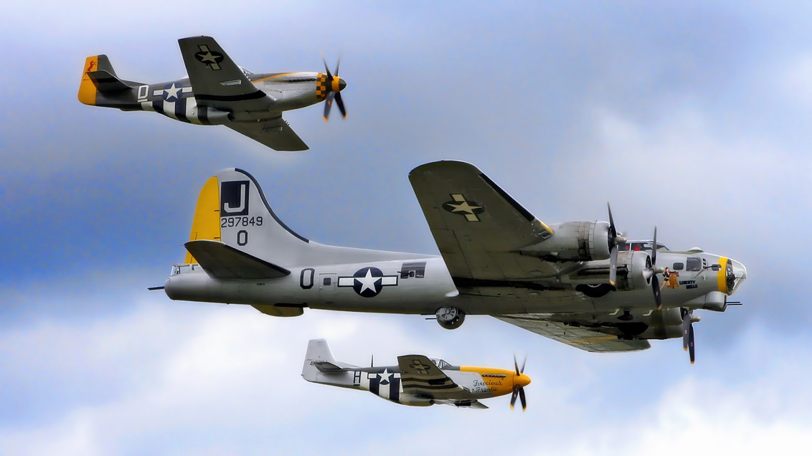 B-17 Flying Fortress ~ Mystery Wallpaper