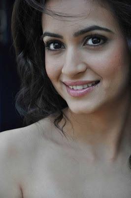 kriti kharbandha close up new