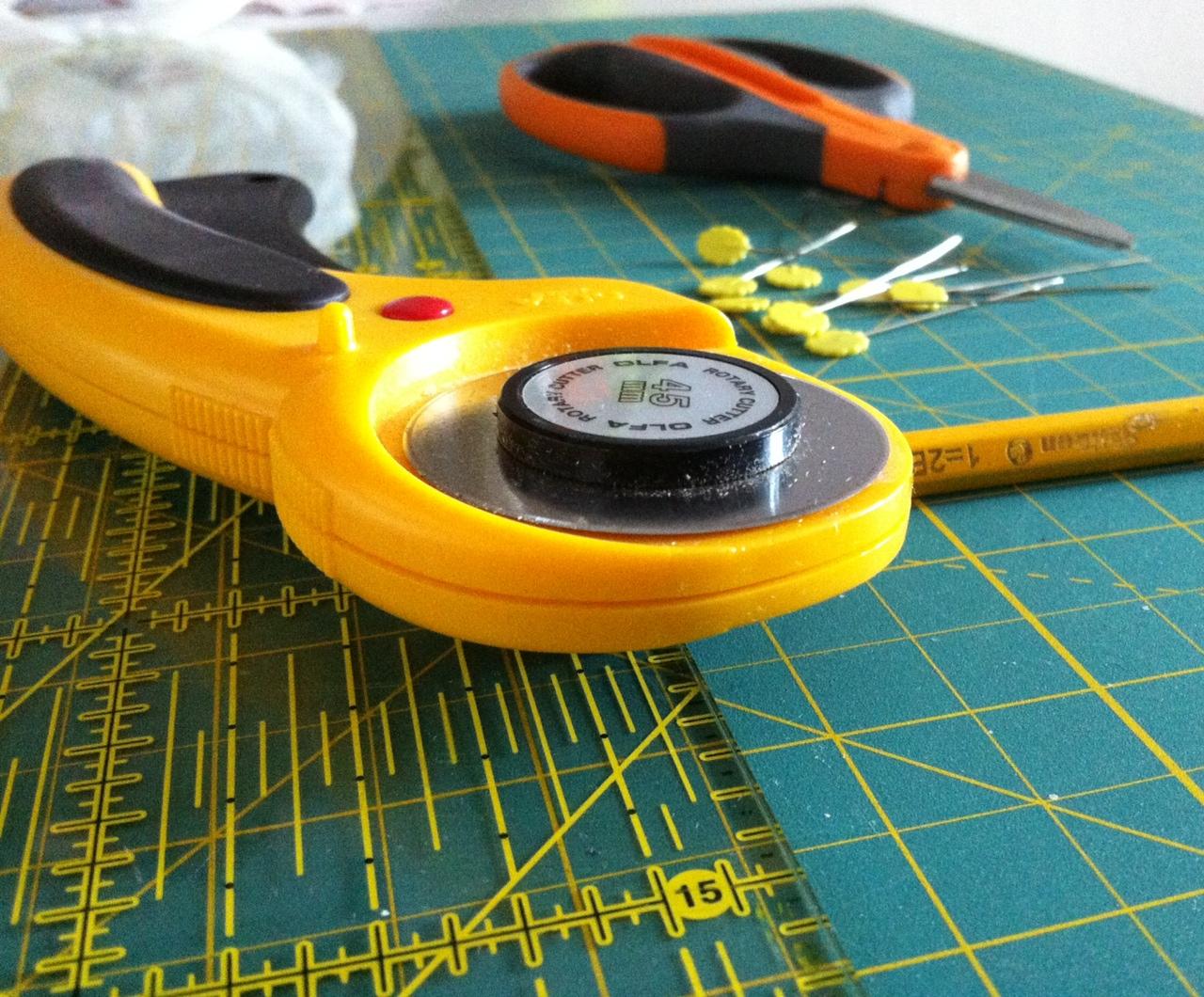 attrezzatura base del cucito creativo