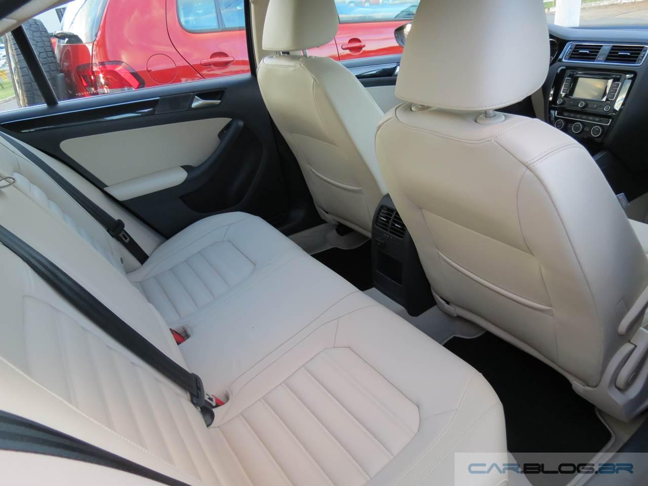 VW Jetta TSI Highline 2015 - interior