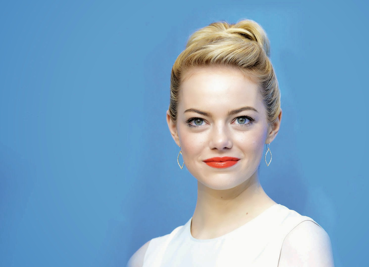 Emma Stone New Hd Wallpapers 2014 15 Hollywood Stars Hd Wallpapers