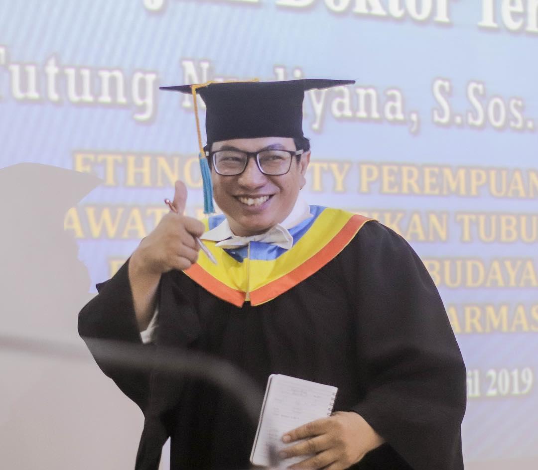 DR.YUYUNG ABDI