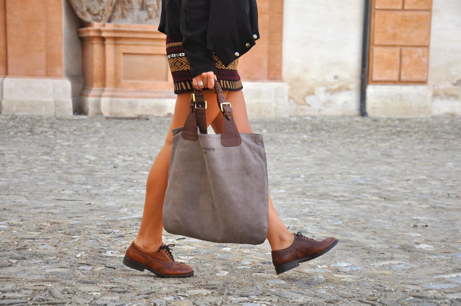 Skirt and laced shoes - ToBeMe di Giulia Malavasi