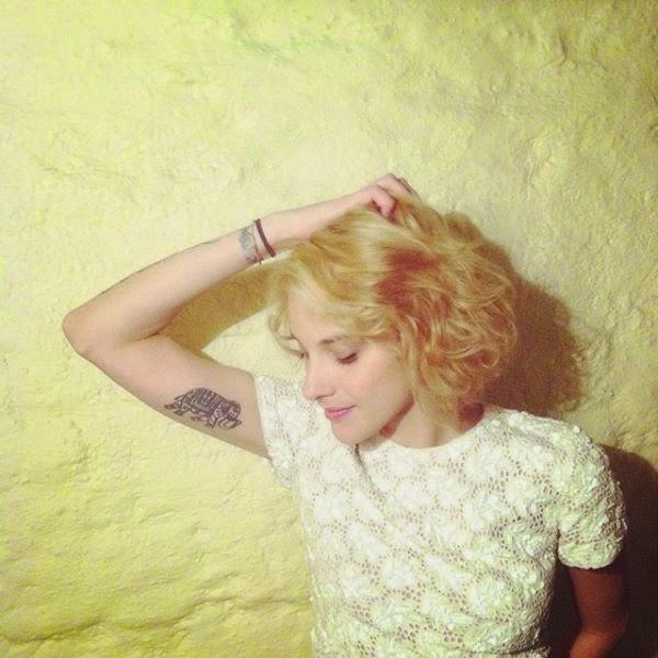 sofia bauza saavedra rubia mala moda 2014 tatuaje tattoo girl cool