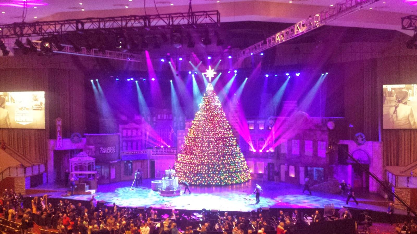 Bellevue Christmas Tree   Home Decorating, Interior Design, Bath ...