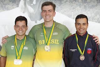 Leonardo Vagner, Cassio Rippel e Bruno Heck, garantidos no Time Olímpico 2014 - Foto: CBTE/Ramon Corrêa