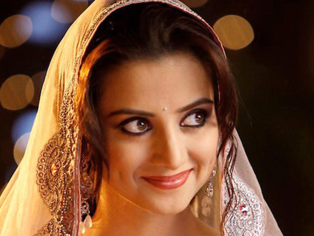 http://1.bp.blogspot.com/-HFaz2c98a4o/T3LeVT3BLJI/AAAAAAAAAkA/19T8fq23Nhs/s1600/Kulraj_Randhawa_Wallpaper_17_cllxg.jpg