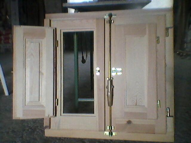 P jaros en la cabeza nuestra casa ya tiene puertas y ventanas for Cocinas baratisimas