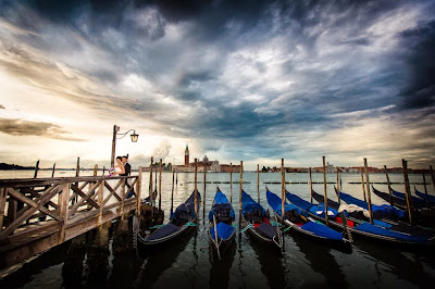 PRE-WEDDING IN VENICE | Italian Wedding Photographer