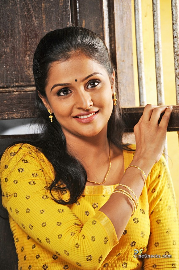 hot-ramya-nambeesan-naked