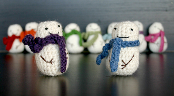 The Dapper Toad Free Mini Snowman Crochet Pattern