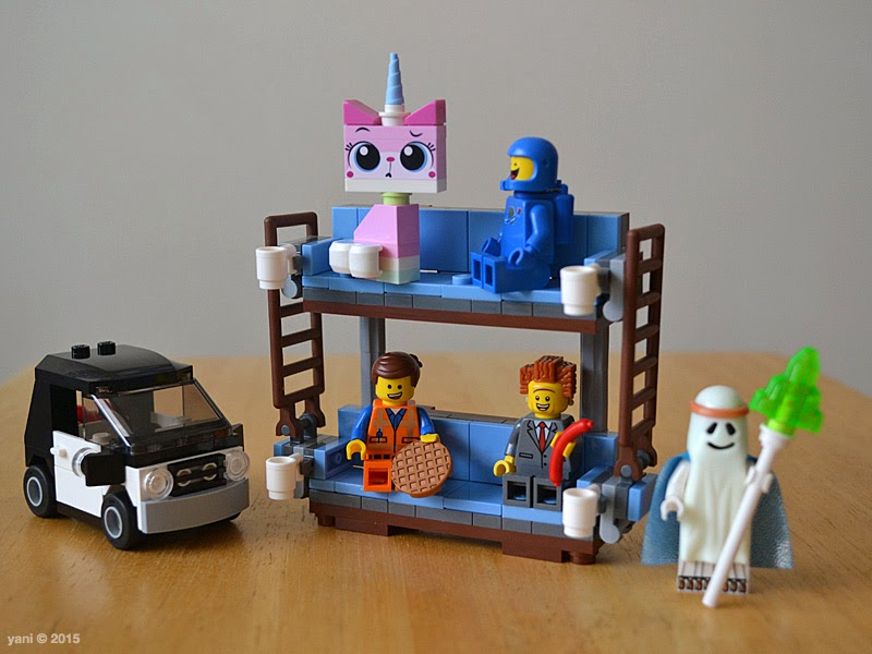 lego: double decker couch - the finished build