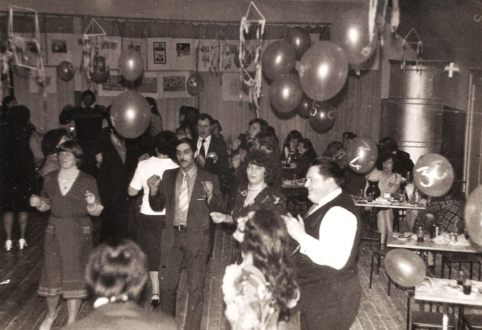 Valles un Olaines ģimenu klubu pasākums Valles kultūras namā . 1983. gada 26. februāris - 1