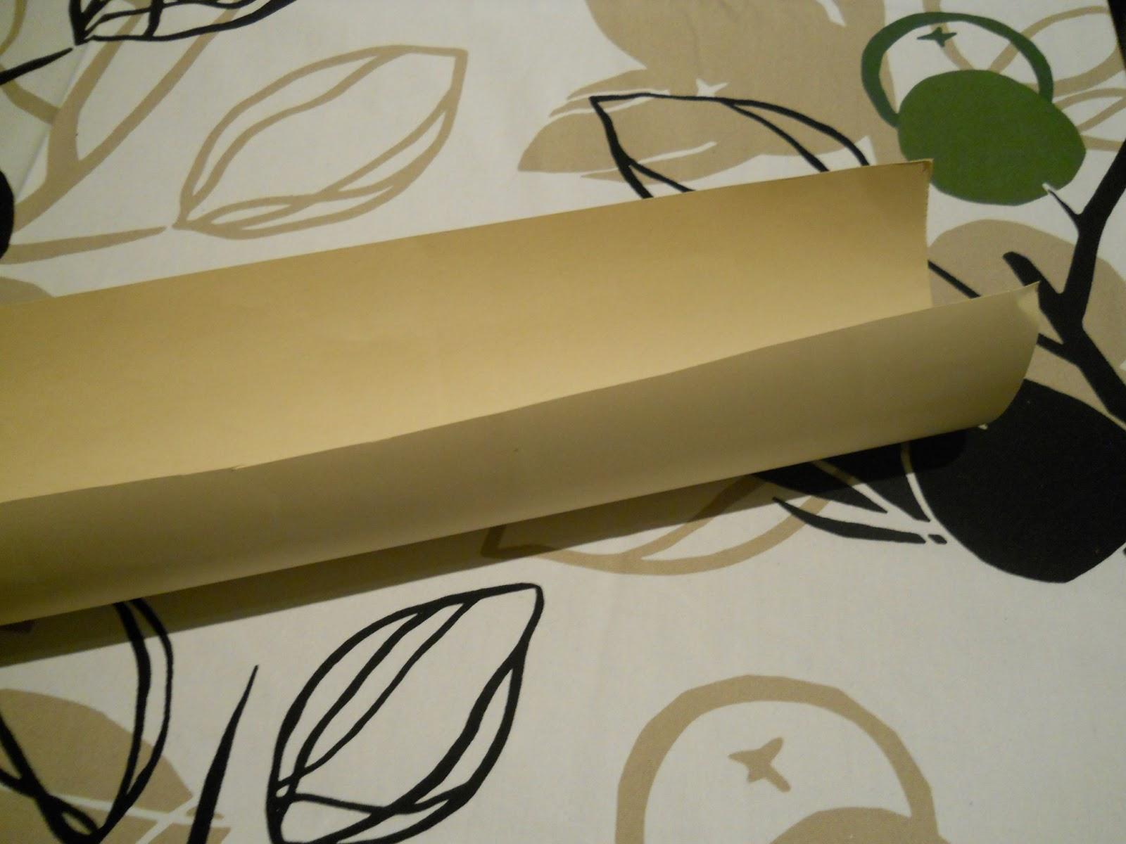 E una scatola avanzata delle bomboniere di mia sorella sotto quadrata e il coperchio sopra - Porta collane fai da te ...