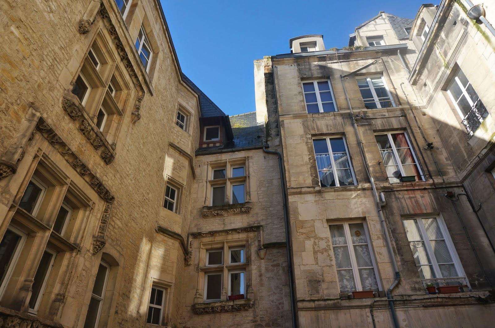 caen capitale française des librairies independantes - l'etoile