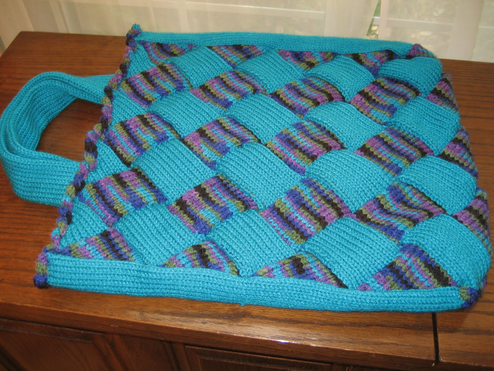 Diana natters on... about machine knitting: New Videos Today - Entrelac Intro...