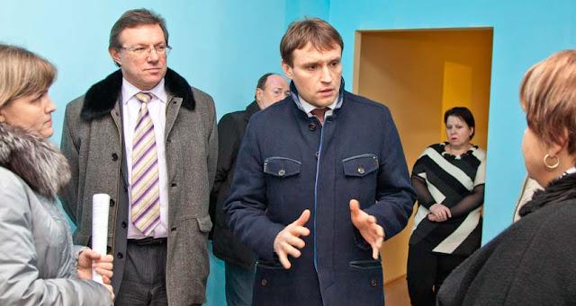 Сергей Пахомов с отстранённым ныне Константином Негурицей. Фото из архива Окей, Посад.
