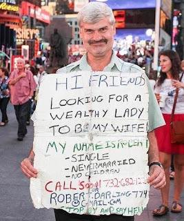 Hans-Paul Schermer hilft Frauen, die einen reichen Mann suchen.