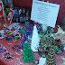 Bombki, ozdoby, biżuteria, kartki świąteczne oraz pyszne miody.