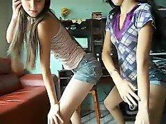 Novinhas dancando