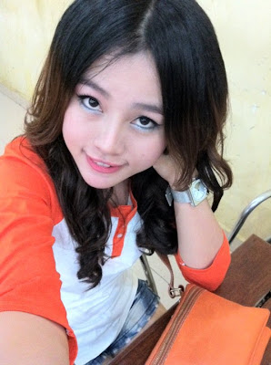 Anny Zam Khmer Singer