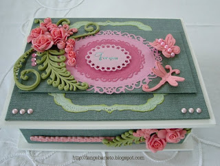Caixa decorada com biscuit