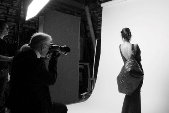 In vogue 1 day fashion more karl lagerfeld fashion for Karl lagerfeld fotografo