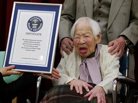 Misao Okawa, a mulher mais velha do mundo, comemorou com um dia de antecedência, seus 117 anos