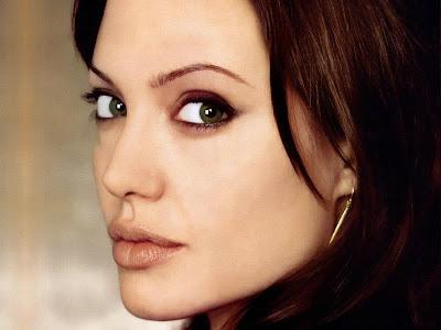 Angelina Jolie di http://unik-qu.blogspot.com/