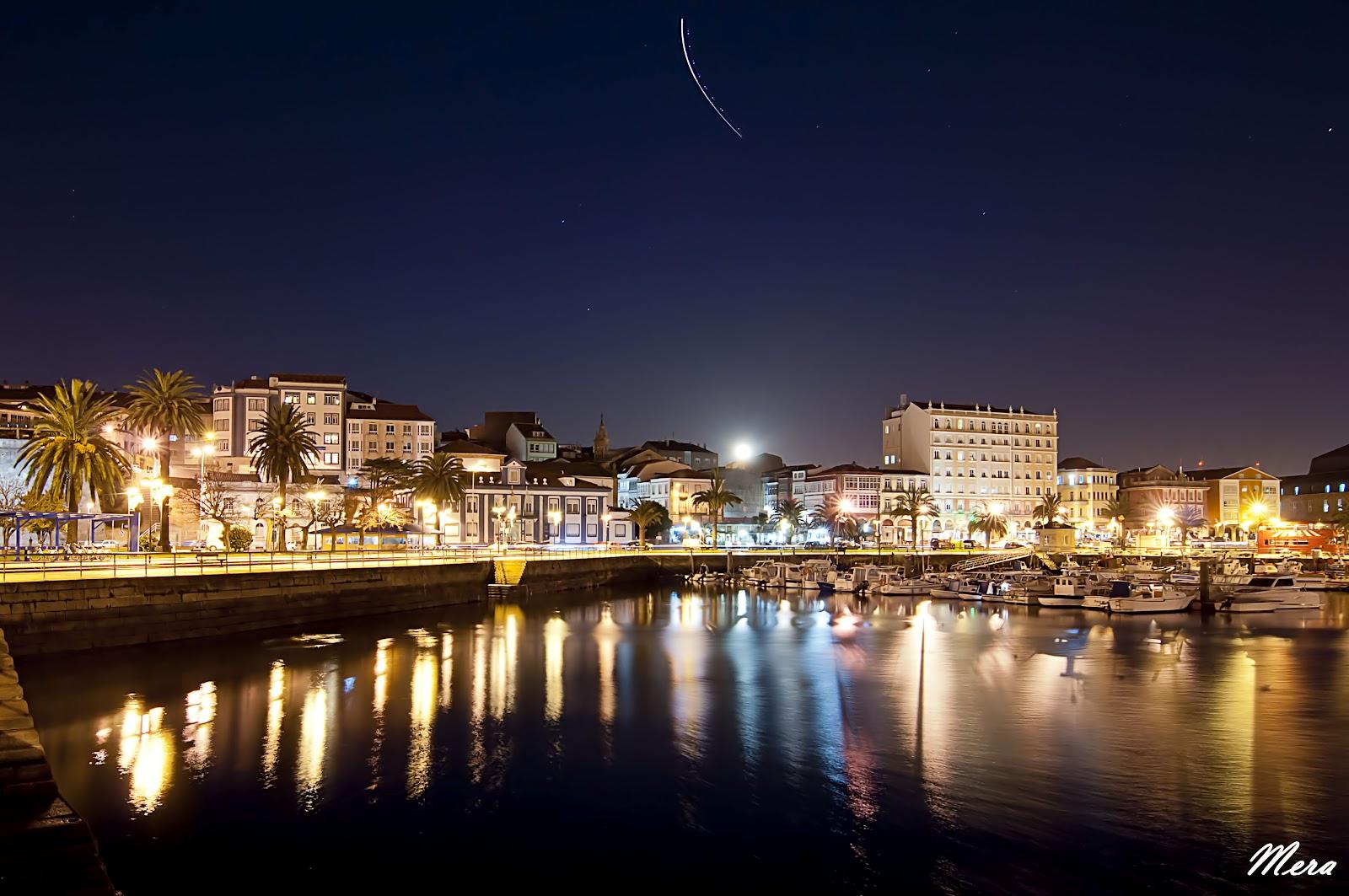 Por+la+noche+en+el+puerto.jpg