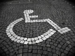 Parkeringsplats för rörelsehindrade. Foto: Henrik Ström CC BY-SA