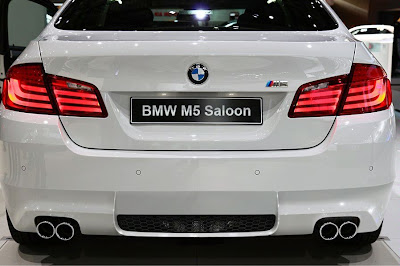 BMW M5 f10 back