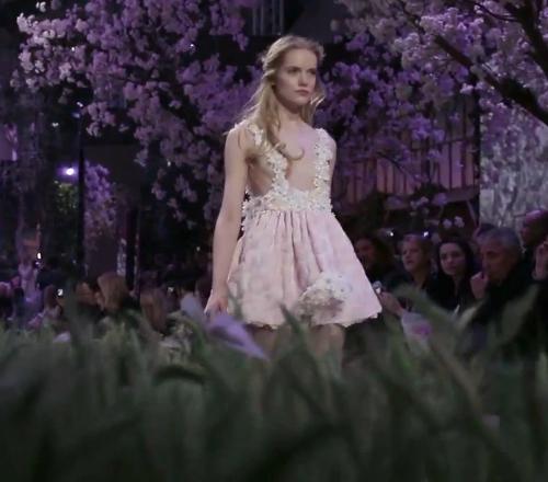 Zahia 2013. - virágos nyári ruha - vállpántos szoknya virágokkal