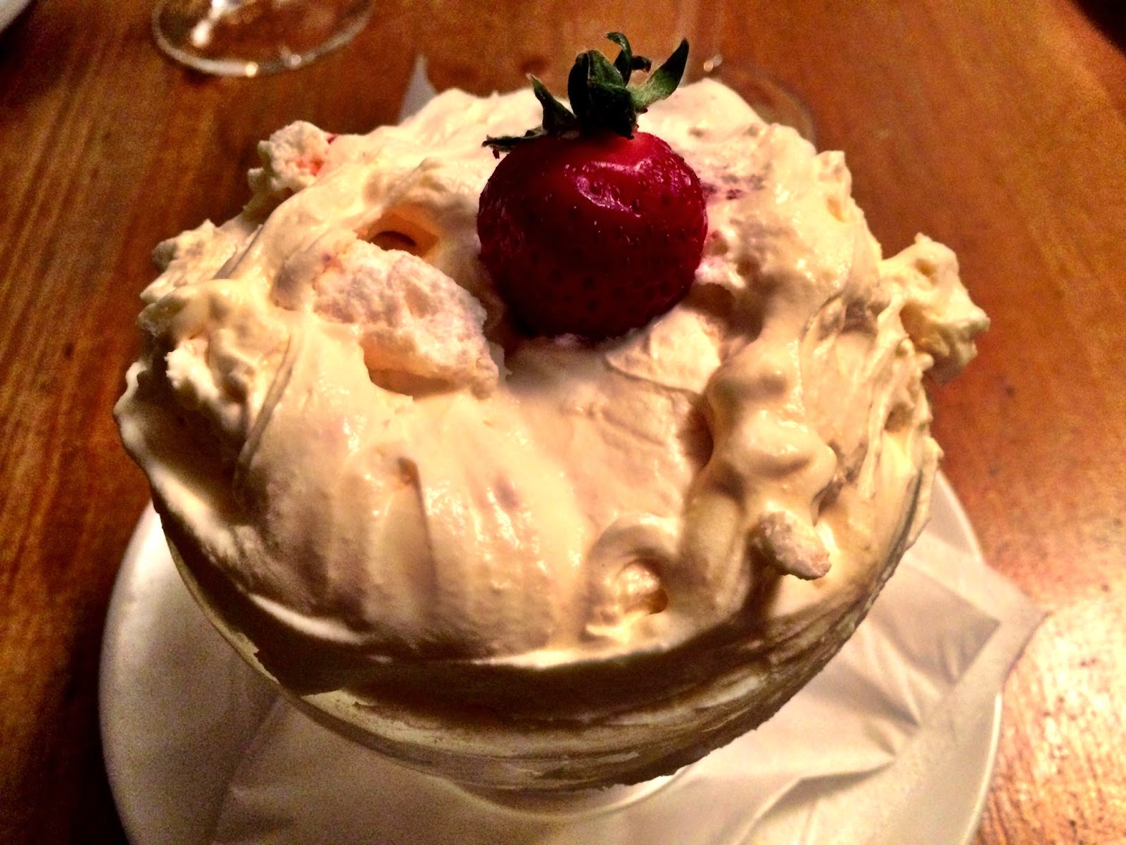 Eton mess - White Hart pub, Whelpley Hill