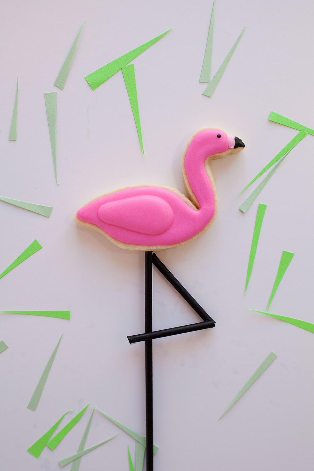 lawn flamingo outline - photo #39