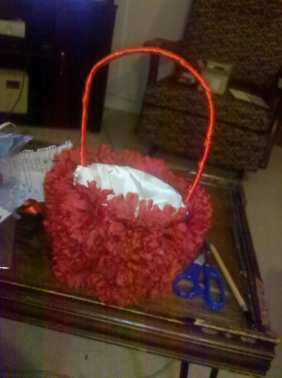 Flower Girl Baskets Diy : Frugal bride diy flower girl basket