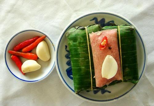 Vietnamese Fermented Pork Roll (Nem chua)3