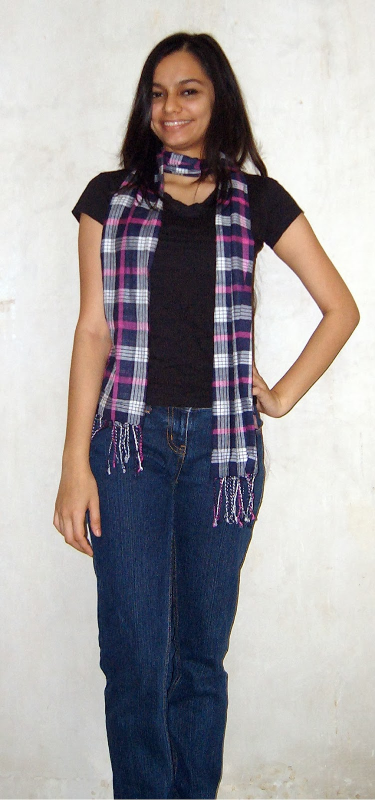 how to wear a scarf, plaid, tartan, how to wear skinny scarves, different ways to tie a scarf