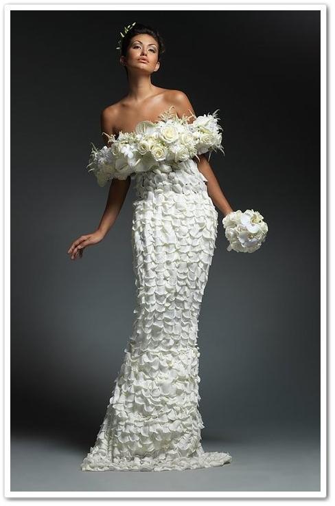 klänning av blommor, floral couture, dress made of flowers, florist klänning,