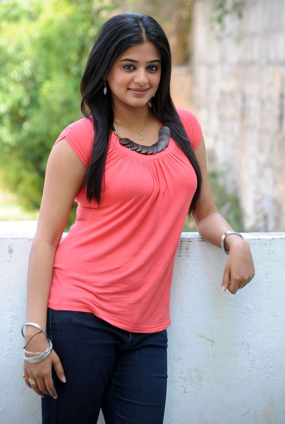 priyamani+hot+in+jeans