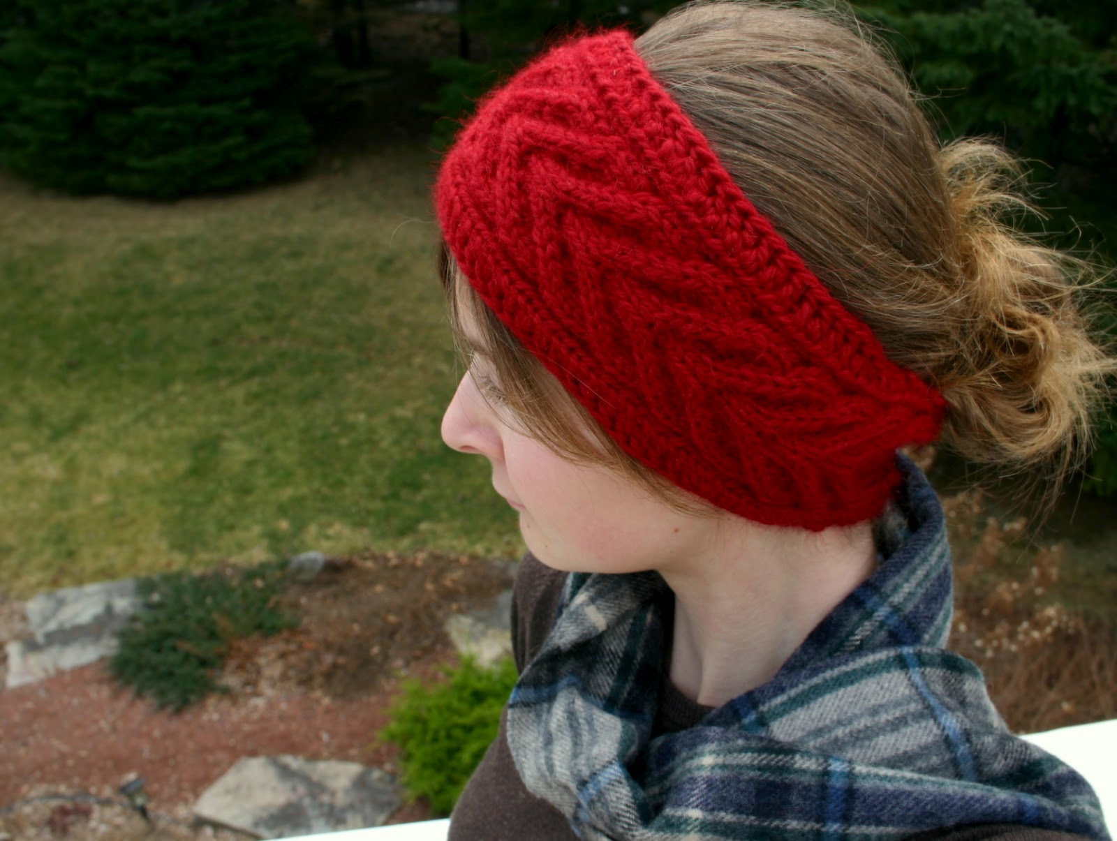 Knitting Headband Pattern Free : The Fuzzy Square: Horseshoe Cable Headband Knitting and Crochet Pattern