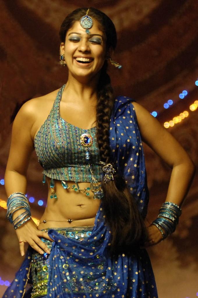 ... sexy Thoppul Photos: South indian Actress Naynthara Navel Spicy Photos