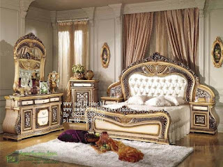 Tempat tidur ukir jepara Jual furniture mebel jepara Tempat tidur klasik Tempat tidur jati Tempat tidur antik Tempat tidur jepara Tempat tidur duco jeparaTMPTDR-10319 Dipan classic ukiran jati asli jepara