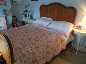 love my vintage bed