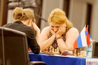 Echecs à Kazan: la grand-maître arménienne Elina Danielian (2484) bat la Russe Tatiana Kosintseva (2532) - Photo © Fide