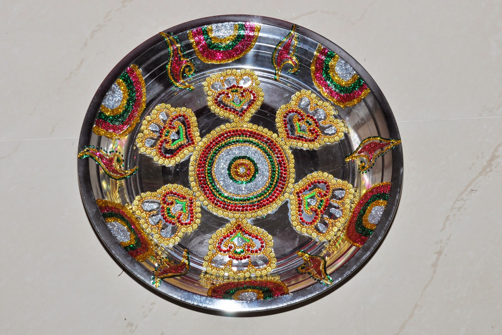 Plates decorations aarathi varisai plates for Aarthi plates decoration