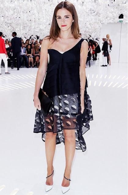 7 dias sete looks de Emma Watson - vestido às bolinhas pretas e brancas