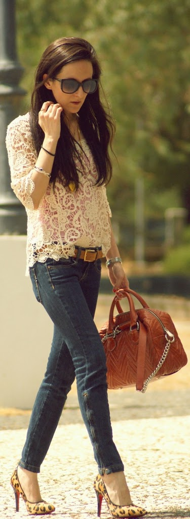 Crochet Lace Blouse with Skinnies Jeans and Lepord Pumps | Street Outfits