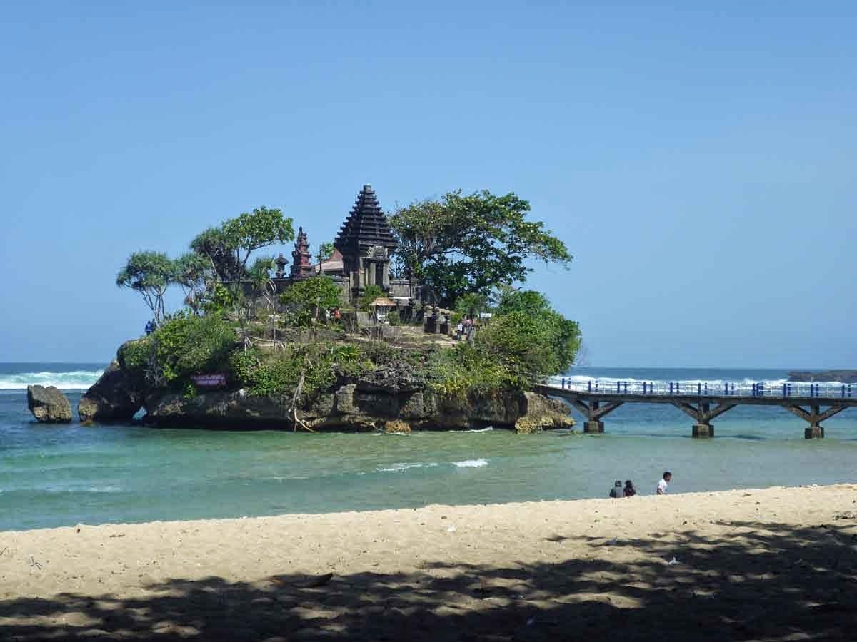 Bale Kambang Beach - Malang